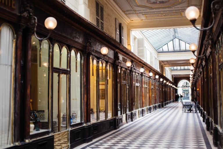 paris-galerie-vero-dodat-071